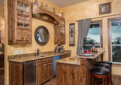 Quail Lodge Kitchen Bar